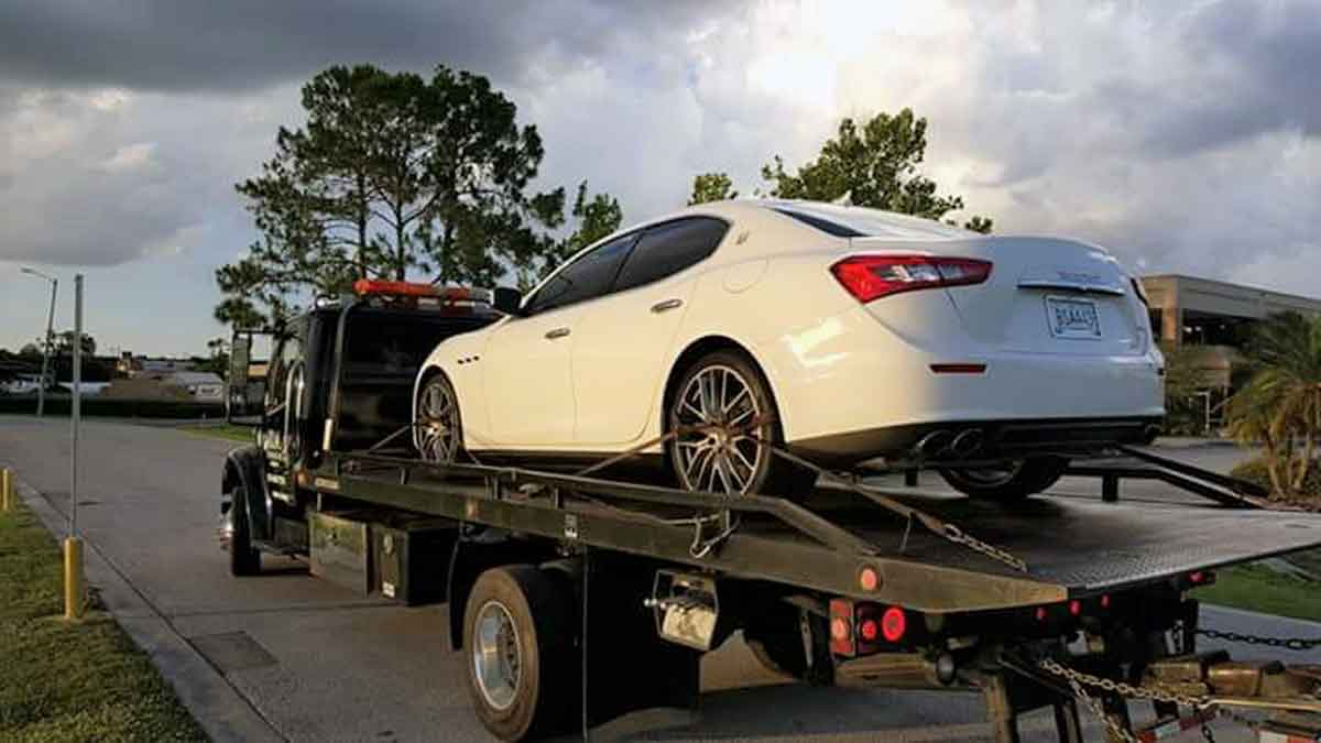 luxury car towing Kissimmee