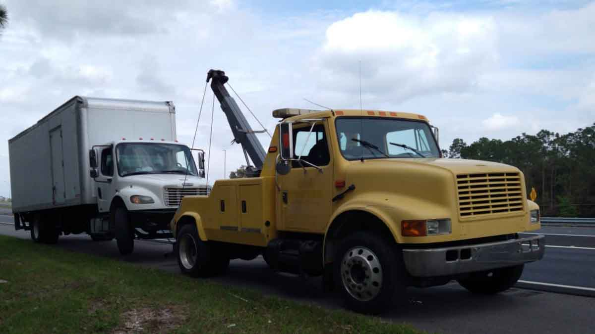 Van Towing Kissimmee
